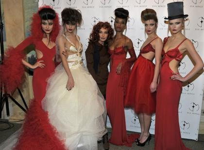 Znani na pokazie Haute Couture Minge - wiosna/lato 2011