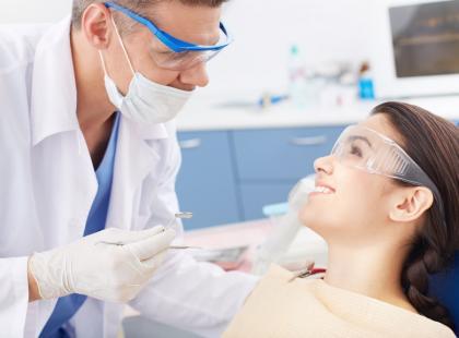 Znieczulanie tylko jednego zęba – jak to wygląda?