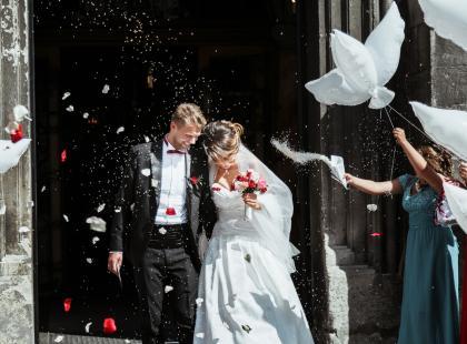 Zobacz 21 propozycji życzeń ślubnych!