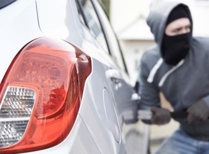 Zobacz, jak uchronić się przed kradzieżą auta! Poznaj 5 najbardziej perfidnych sposób, stosowanych przez złodziei!