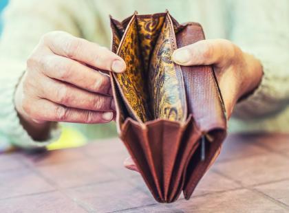 Zobacz, o ile zmniejszy się twoja emerytura po przyjęciu projektu obniżającego wiek emerytalny. Kwoty powalają...