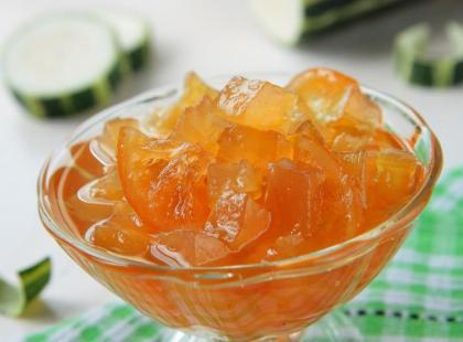 Żółta cukinia marynowana na słodko – przepisy
