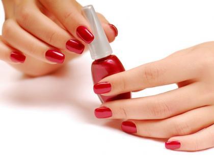 Zrób sama kolorowy lakier do paznokci