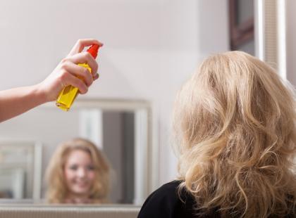 Zrób to sama: mgiełki rozjaśniające do włosów!