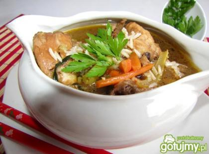 Zupa chińska z grzybami i ryżem