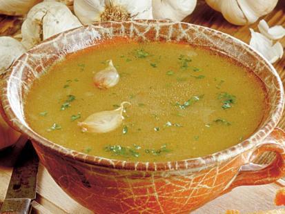 Zupa czosnkowa z ziemniakami
