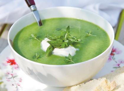 Zupa pokrzywowa zabielana