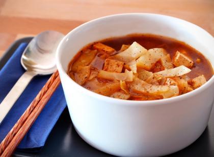 Zupa z kapusty pekińskiej na dwa sposoby