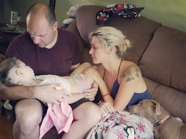 Córka umarła na ich oczach. Tuż przed śmiercią rodzinie zrobiono pożegnalne zdjęcie