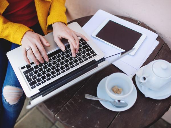 Jak szukać pracy przez LinkedIn? TOP 5 skutecznych wskazówek