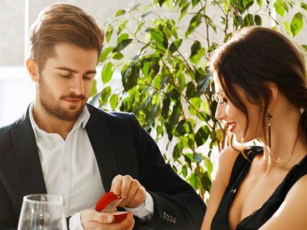 Oryginalne pierścionki zaręczynowe – hity 2016