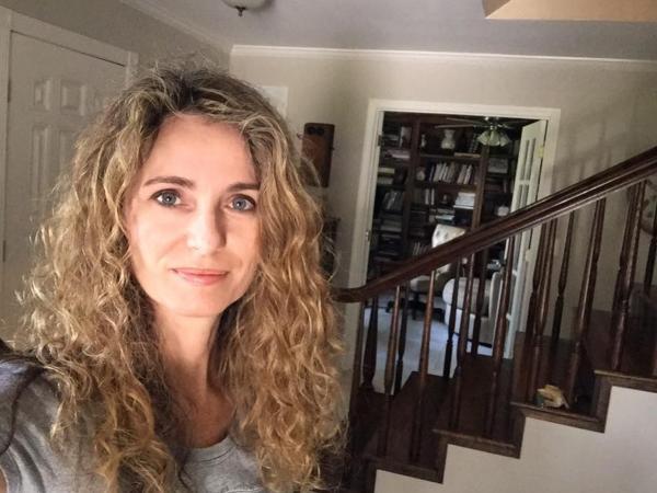 Samotna matka wychowująca 4 dzieci, wybudowała dom... ucząc się tylko z tutoriali na YouTubie!