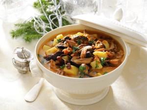 160 przepisów na najlepsze zupy
