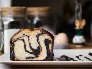 3 sprawdzone przepisy na klasyczne ciasto Fale Dunaju, które przygotujesz w domu, lepsze niż z cukierni!