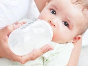 5 błędów w karmieniu dziecka, które prowadzą do otyłości!