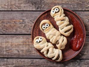 5 efektownych przystawek na Halloween, które przygotujesz z dzieckiem
