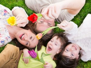 5 pomysłów, jak świętować z dzieckiem pierwszy dzień wiosny