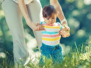 5 rzeczy, na które musisz zwrócić uwagę w sposobie chodzenia dziecka