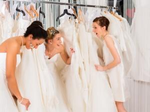 6 błędów, popełnianych podczas wyboru sukni ślubnej
