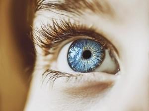 6 milionów osób na świecie już straciło przez nią wzrok. Jak rozpoznać jaskrę?