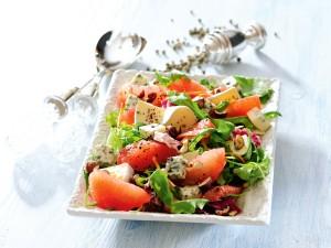 64 smakowite przepisy na sałatki karnawałowe