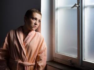 65% chorych na raka łysieje. Dlaczego i jak wtedy dbać o skórę głowy?