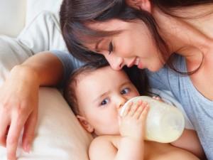 7 mitów na temat karmienia butelką