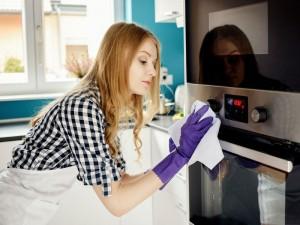 7 trików, by łatwo posprzątać kuchnię