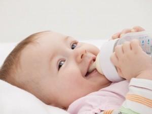8 faktów o karmieniu niemowlaka