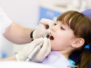 8 rad, jak uchronić dziecko przed lękiem u dentysty!