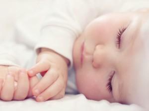 8 rzeczy, które przeszkadzają dziecku w spaniu