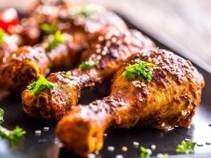 Aż ślinka cieknie! 5 pysznych pomysłów na udka z kurczaka