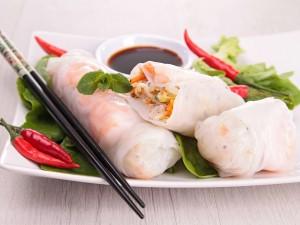Azjatyckie danie, które podbiło cały świat: zobacz, jak przyrządzić sajgonki!