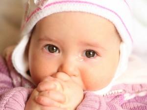 Chora tarczyca u dziecka – kiedy się niepokoić?