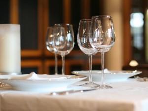 Chrzciny – w domu czy w restauracji