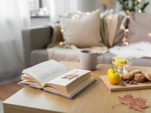 Ciepłe mieszkanie na jesień 2018. Jak zadbać o swoją przestrzeń, żeby mieć pozytywny nastrój jesienią!