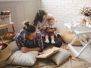 Co czwarte dziecko nieślubne - to efekt przemian w Polsce