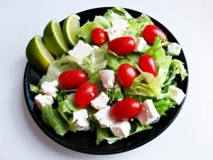 Sałatka grecka to zdecydowanie oryginalny grecki smak.