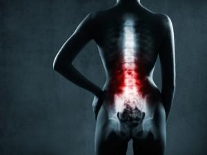 Ćwiczysz, bierzesz leki, a nadal czujesz ból w dolnej części pleców? Powiemy ci, co z tym zrobić
