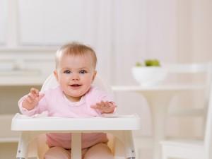 Czy karmić dziecko domowym jedzeniem?