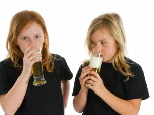 Pijące nastolatki /fot.Fotolia