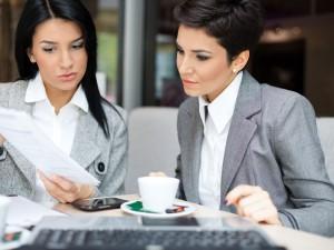 Czy przyjacielskie relacje z szefem mogą stwarzać kłopoty?