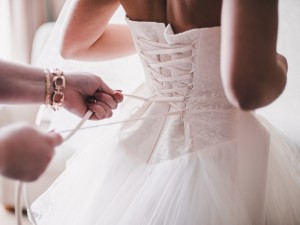 Czy to najbrzydsza kreacja ślubna na świecie? Zobaczcie, jak wygląda kontrowersyjny projekt dla przyszłych panien młodych!