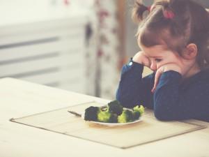 Czy Twoje dziecko ma neofobię żywieniową? Czym jest i jak sobie z nią radzić?