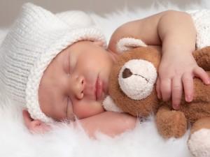 Czy wiesz co zrobić, aby dziecko przespało całą noc?
