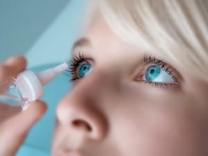 Czy wiesz jak prawidłowo aplikować krople do oczu?