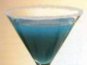 Czy wiesz jak przygotować drink Błękitna Dama?