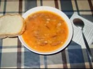 Czy wiesz jak przygotować zupę fasolową z makaronem?