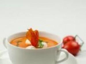 Czy wiesz jak przygotować zupę pomidorową z mozzarellą?