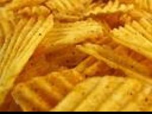 Czy wiesz jak zrobić, aby otwarte chipsy znowu były chrupiące?